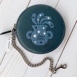 ♒️NWT Coach Round Coin Case With Aquarius ♒️